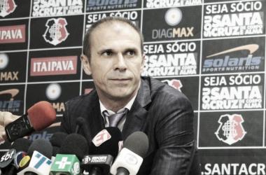 """Milton Mendes enaltece classificação do Santa Cruz apesar de empate: """"Objetivo alcançado"""""""