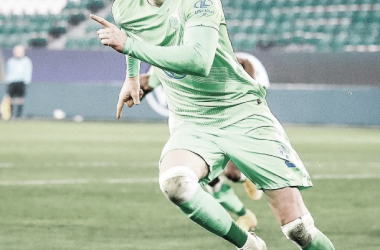 Weghorst se iluminó y Wolfsburgo ganó