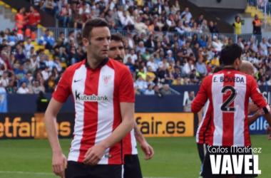 Viguera mantuvo un intenso duelo con los centrales del Málaga | Foto: Carlos Martínez (VAVEL)