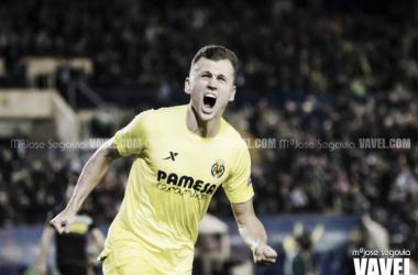 Denis marcando en Villarreal / Foto: Mª Jose Segovia (Vavel)
