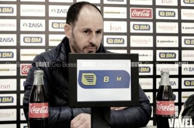 Jabi Luaces, en una comparecencia de prensa (fuente Gio Batista/ VAVEL)
