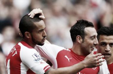 Theo Walcott and Santi Cazorla sign new deals at Arsenal