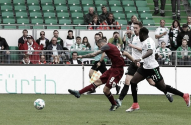 Nuremberg vence Greuther Fürth e assume vice-liderança da 2. Bundesliga