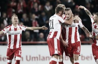 Polter marca três, Union Berlin goleia e afunda Kaiserslautern na lanterna