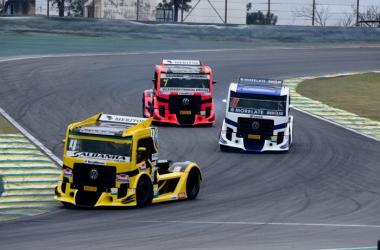 Sexta feira de treinos livres para a F- Truck e Fórmula 1600 em Interlagos