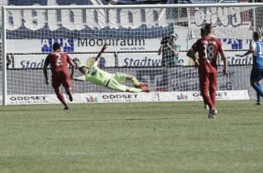 Holstein Kiel vence Heidenheim em jogo de viradas e permanece na vice-liderança