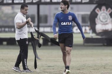 Alexandre Pato acerta com Villarreal e deixa o Corinthians