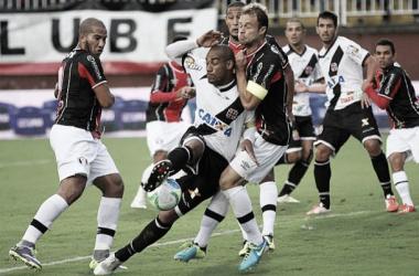 Vasco enfrenta o líder Joinville almejando a vitória para se aproximar do topo da tabela