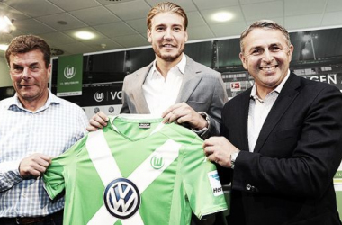 Bendtner ficha por el Wolfsburgo