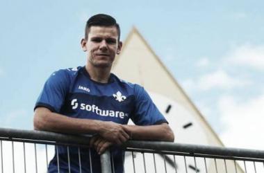 Roman Bezjak in his new club colours. (Photo: SV Darmstadt 98)