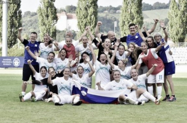 Slovenia celebrate their qualification. (Photo: NZS / FA Slovenia)