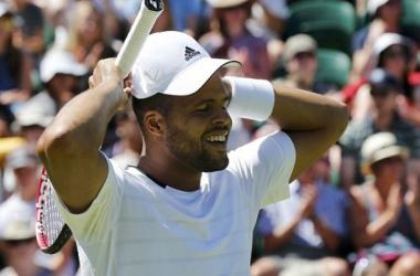 Wimbledon: Tsonga Passes Tough Test