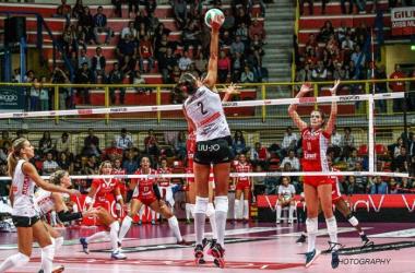 Volley F - Nella terza giornata scontro ad alta quota al PalaNorda tra Foppapedretti Bergamo e Igor Gorgonzola Novara