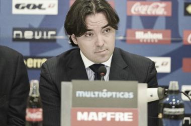 Raúl Martín Presa durante una rueda de prensa | Fotografía: Rayo Vallecano