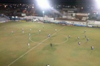 Quase classificado no Pernambucano, Salgueiro vence mais uma; Vitória apenas empata