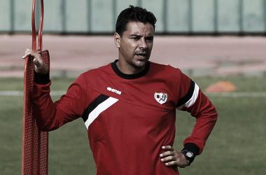 Míchel durante un entrenamiento del equipo en la ciudad deportiva | Fotografía: Rayo Vallecano