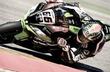 Tom Sykes en el circuito - Foto vía: KRT.