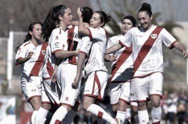 Jugadoras del Rayo Vallecano celebrando un gol | Fotografía: Rayo Vallecano S.A.D