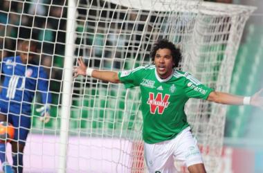 Saint-Étienne vence Lille e ganha força na parte de cima da tabela do Campeonato Francês