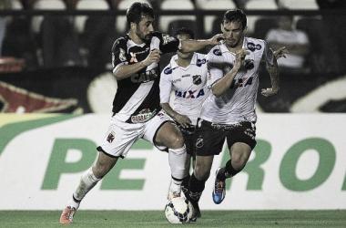 Com expectativa de Maracanã cheio, Vasco tenta afastar a crise contra o ABC