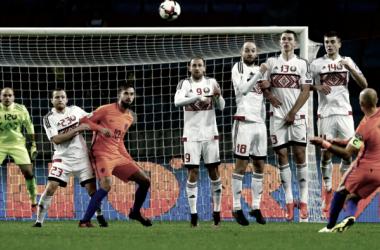 Lanzamiento de falta Robben | Foto: @KNVB