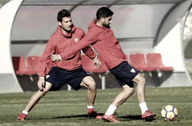 Banega y Vázquez en el entrenamiento de esta mañana. Foto: Sevilla FC