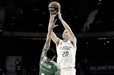 Carroll y el Madrid pulverizan al Unicaja