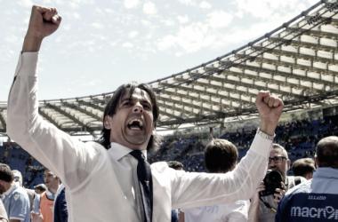 """Inzaghi comemora vitória da Lazio no dérbi, mas admite: """"Árbitro reconheceu que errou"""""""