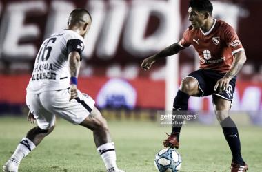 FIJA. Romero(derecha), seguramente sea titular en Independiente y Ayala(izquierda) estaría en la otra vereda. Foto: Getty images