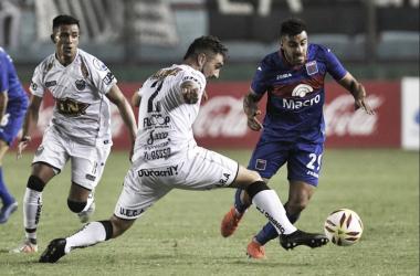 Diego Sosa, de nuevo desaprobado. Tigre no hizo nada para llevarse la llave (Foto: La Nueva).