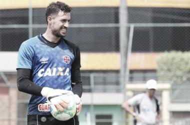 Martín Silva consegue liberação da seleção uruguaia e não vai mais desfalcar o Vasco