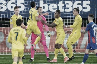"<p class=""MsoNormal"">Los jugadores abrazan a Sergio / Foto: Villarreal C.F&nbsp;<o:p></o:p></p>"