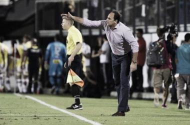 De goleiro a treinador do São Paulo, Rogério Ceni completa 44 anos