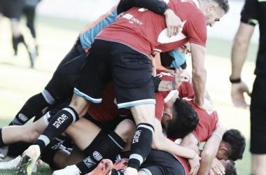 Belgrano festeja el gol agónico de Santiago Longo sobre el final del partido. (Fuente: Cadena 3)