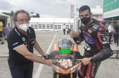 Jordi Torres junto Sito Pons tras convertirse en Campeón de MotoE/ Fuente: AS