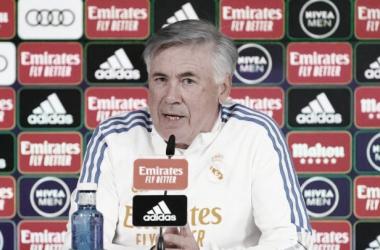 Carlo Ancelotti en rueda de prensa / Twitter: Real Madrid oficial