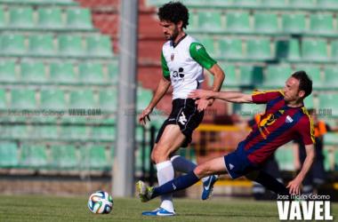Mansilla (Mérida) y Sabino (Extremadura) en el último enfrentamiento entre ambos equipos | Foto: José María Colomo (Vavel.com)