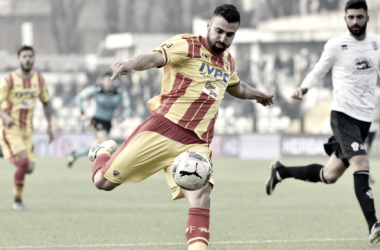 Ceravolo porta il Benevento al successo contro la Pro Vercelli. Foto: Corriere dello Sport