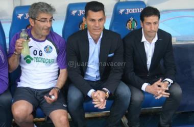 Pablo Franco junto a Javier Casquero y Óscar García.