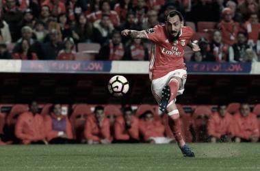 O goleador vindo da Grécia // Foto: Facebook do SL Benfica