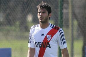 Copa Argentina: River frente a Estudiantes (BA) con el debut de dos juveniles