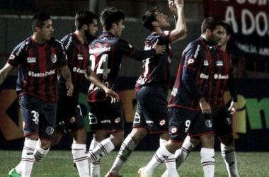 San Lorenzo comenzó con el pie derecho. Foto: Ole.