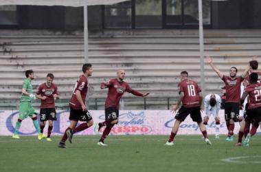 La Salernitana vince e vede la salvezza: Livorno affossato per 3-1