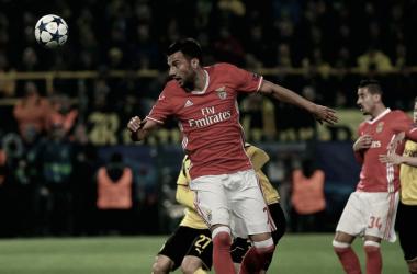 Samaris será uma das opções de Rui Vitória para defrontar o Sporting // Foto: Facebook do Sport Lisboa e Benfica
