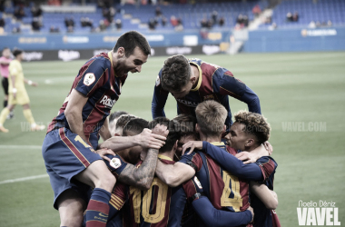 Los jugadores del filia durante la celebración de uno de los goles contra el Villareal B. | Foto: Noelia Déniz (VAVEL)