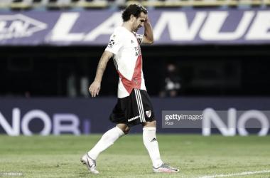 """DE NO CREER. Ponzio, es agarra la cabeza tras su penal errado ante Boca, el """"León"""" dio positivo en las últimas horas. Foto: Getty images"""