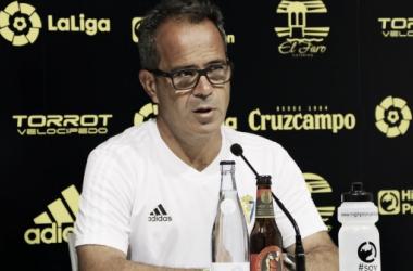 Álvaro Cervera en rueda de prensa. Fuente: cadizcf.com