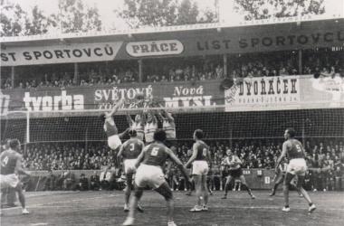 1949, o primeiro Mundial (Foto:Divulgação/FIVB)