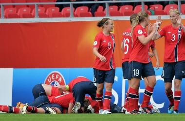 Noruega suporta pressão no fim e vence a Holanda pela Euro feminina