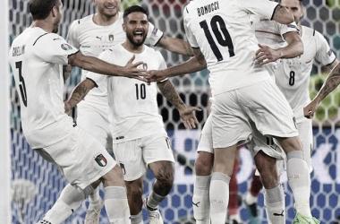 Foto de los jugadores celebrando el gol de Insigne. Fuente Instagram: azzurri.